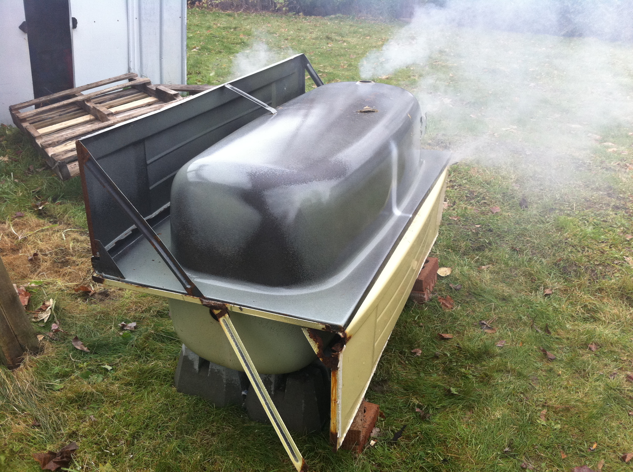 Bath Tub Smoker | Robin Chahal